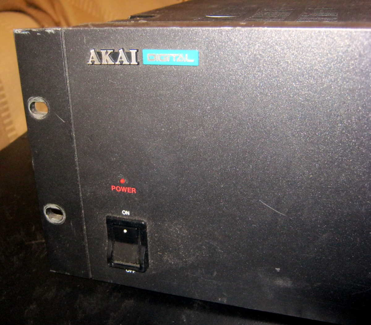 Akai DD 1500m Power light