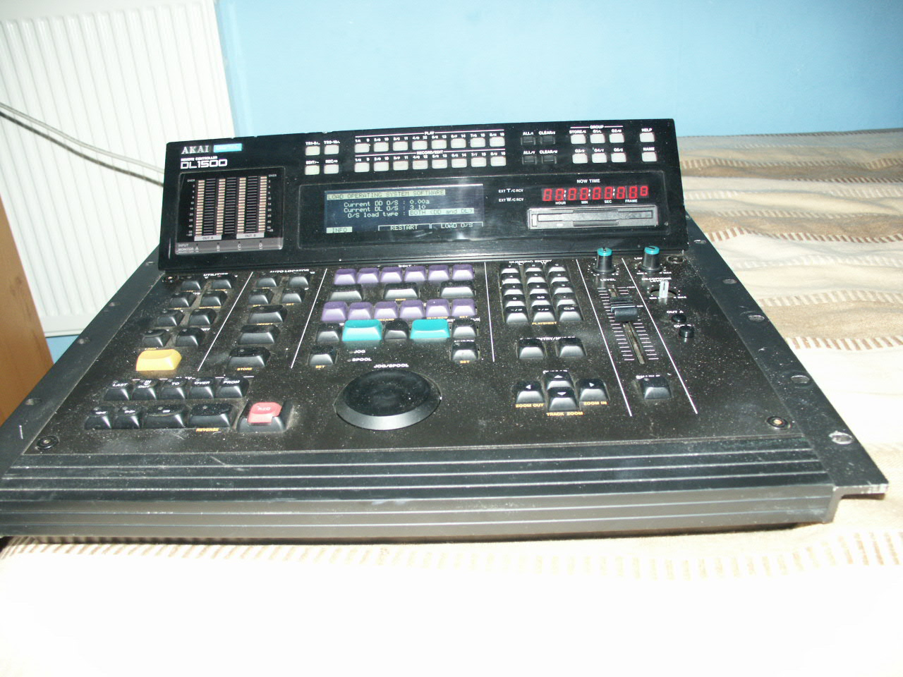 Akai DL1500 Front view