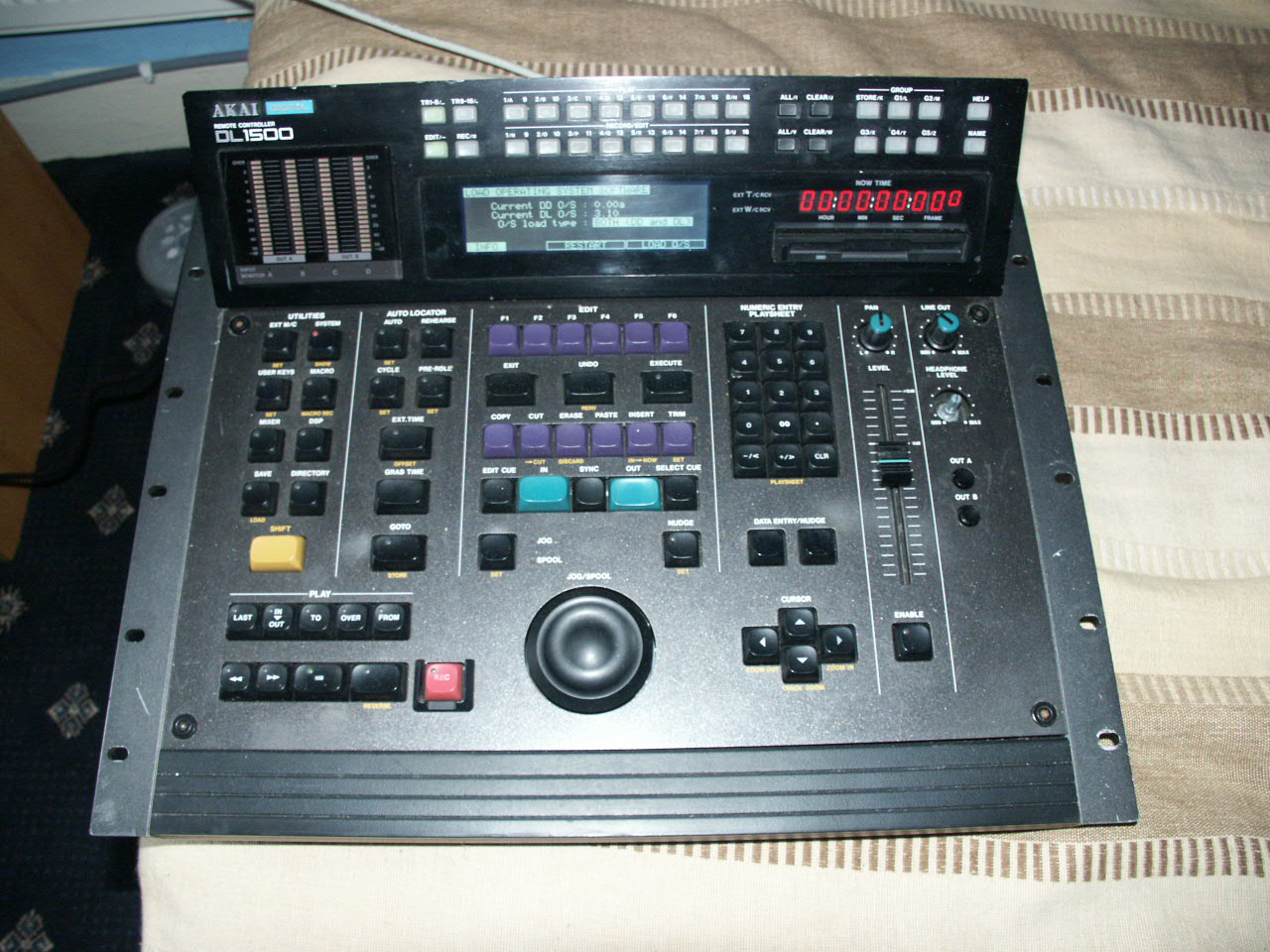 Akai DL1500 Top view