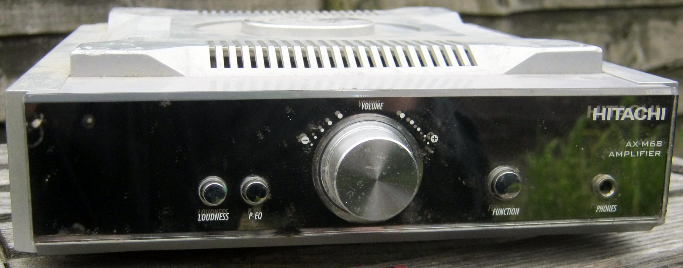 Hitachi AX-M68 amplifier front