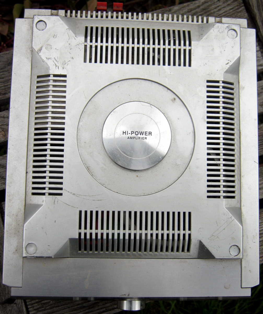Hitachi AX-M68 amplifier top