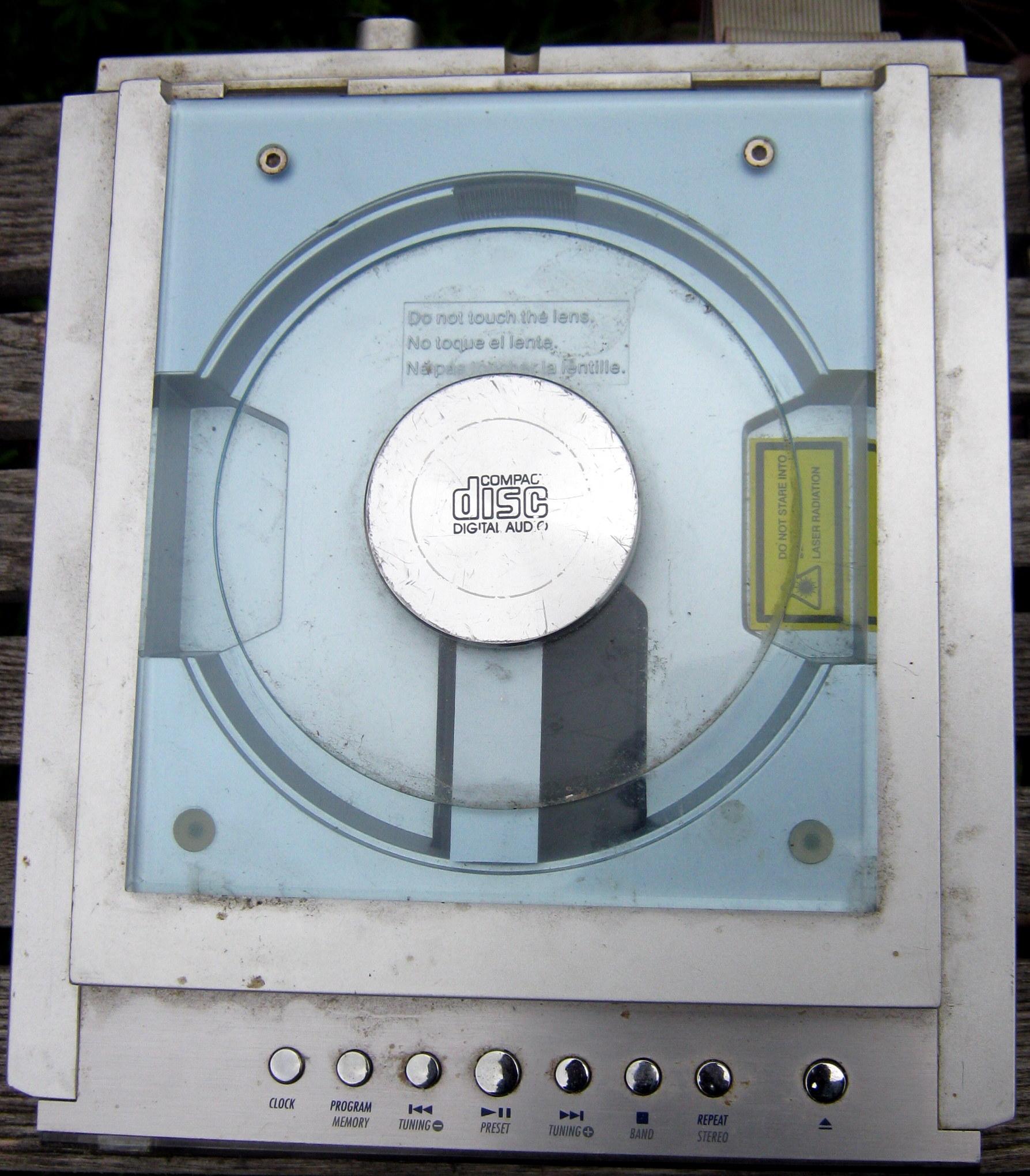 Hitachi AX-M68 Tuner/CD player top