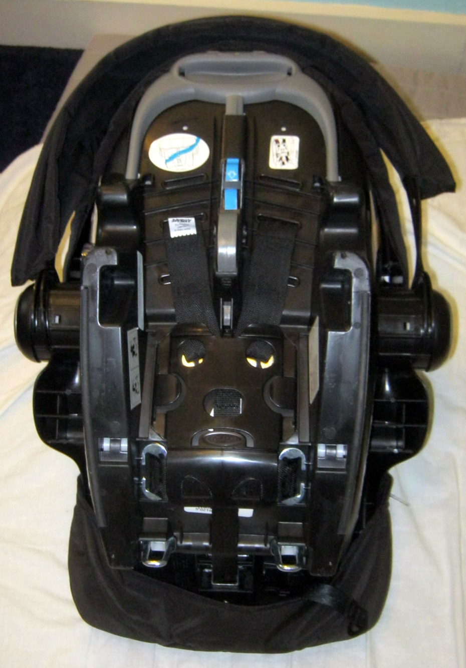 Graco car seat - bottom